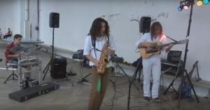 Hugo Suc à la batterie, Fabien Arnould au saxophone et Franck Arnould à la guitare électrique, venus animer la soirée taloas de SFX